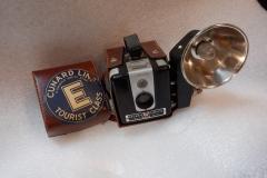 Brownie Hawkeye Flash w/ Cunard case
